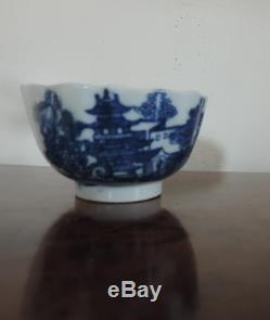 Antique 18th century Worcester Porcelain Tea Cup Bowl Blue and White Chinese